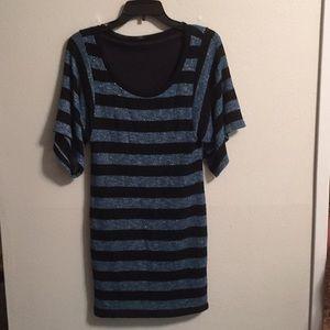 Soprano dress top size L NWOT